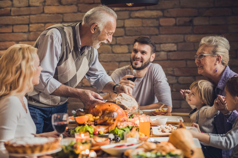 12 Easy Ways to  Avoid the Thanksgiving Faux Pas