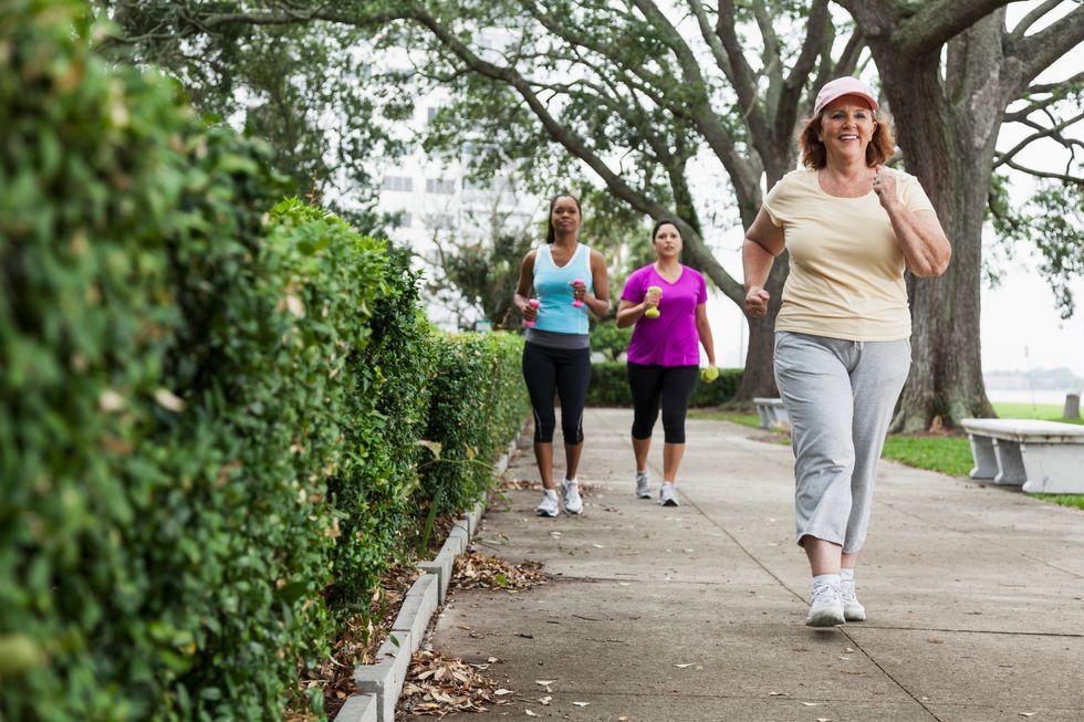 Brisk Walk May Help Sidestep Heart Disease In Just 10 Weeks
