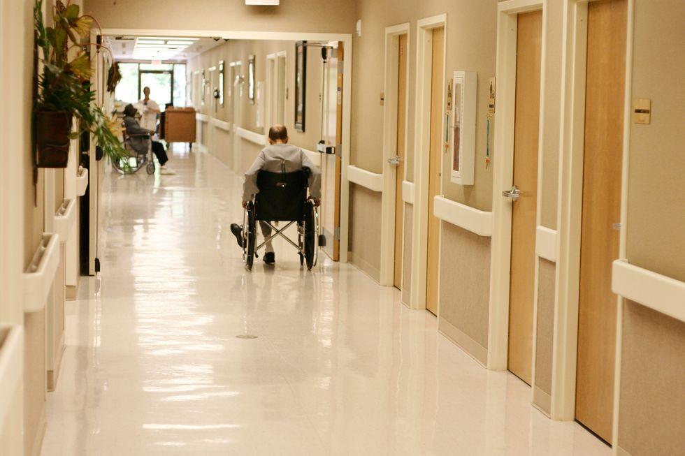 1 in 4 Nursing Home Residents Has Antibiotic-Resistant Bacteria