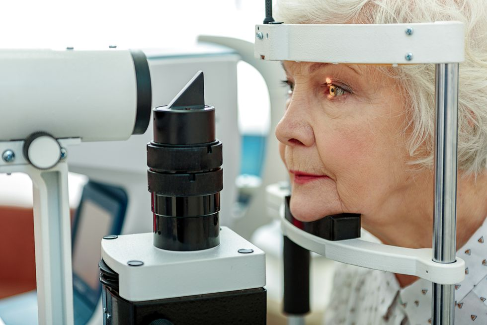 Early Parkinson's May Prompt Vision Problems