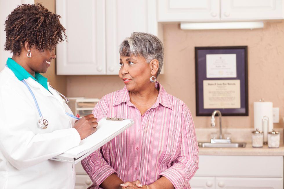 Study Weighs Heart Danger of Antibiotics for Older Women