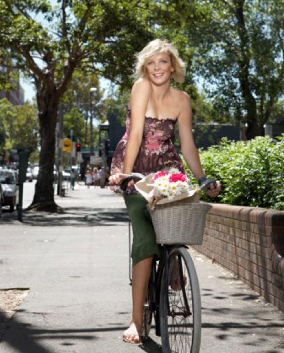 woman-bike-799153.jpg