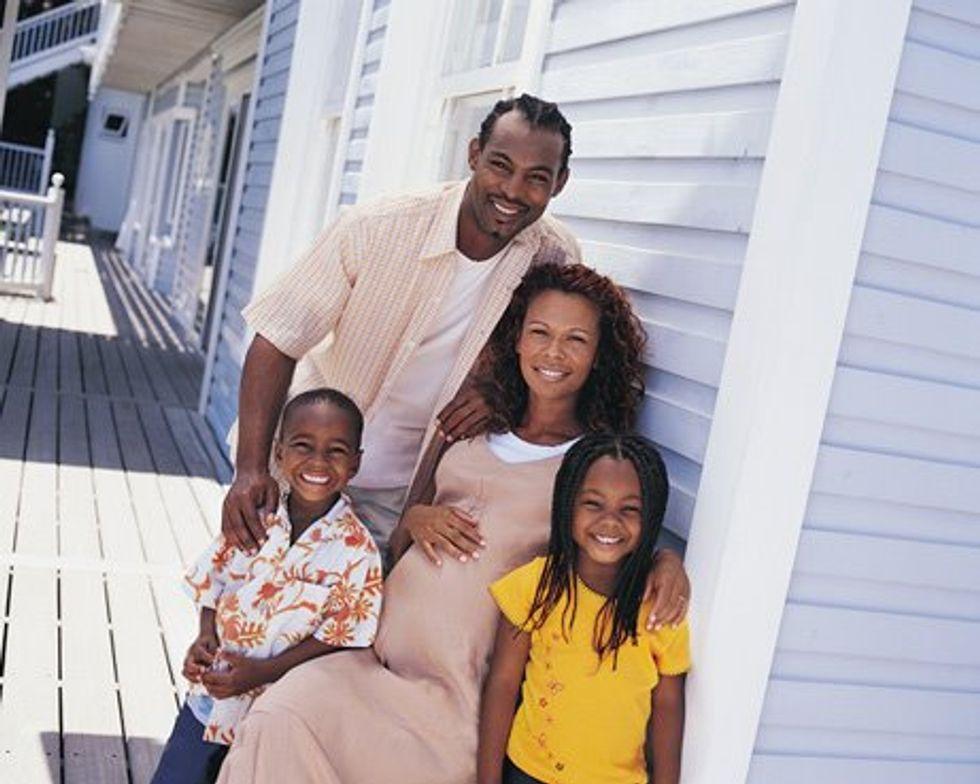 family_pregnantmom-nutrition-761398.jpg