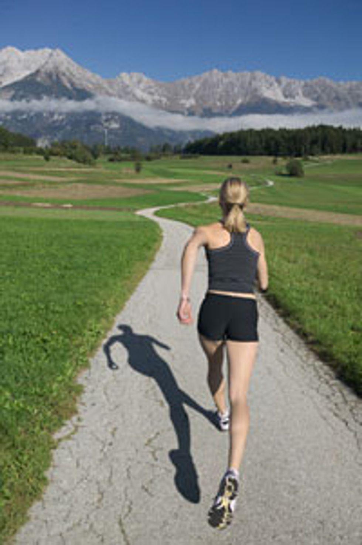 woman-running-731336.jpg