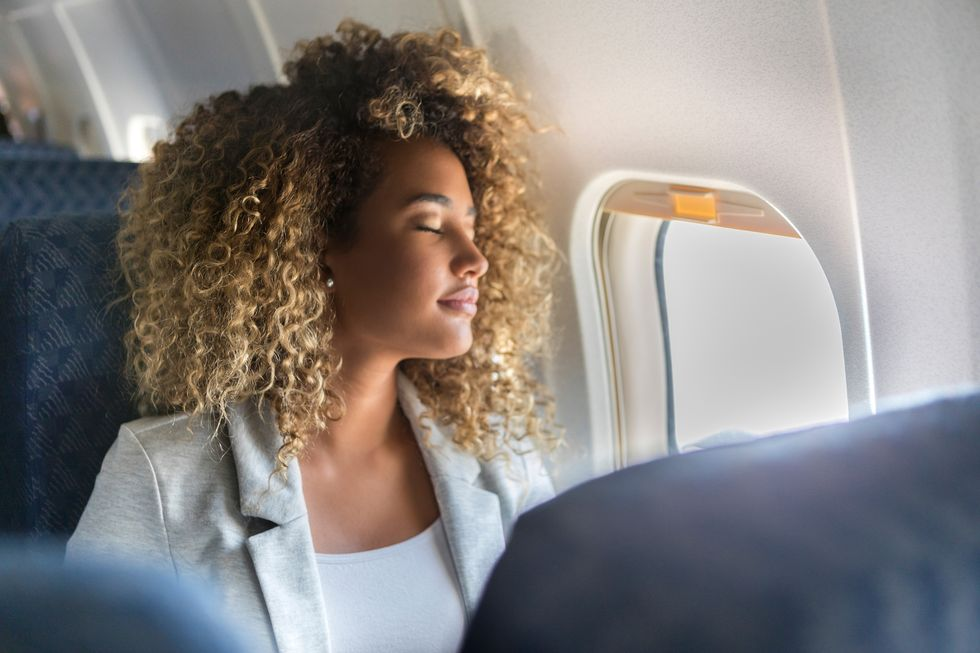 How to Stay Healthy During Holiday Flights