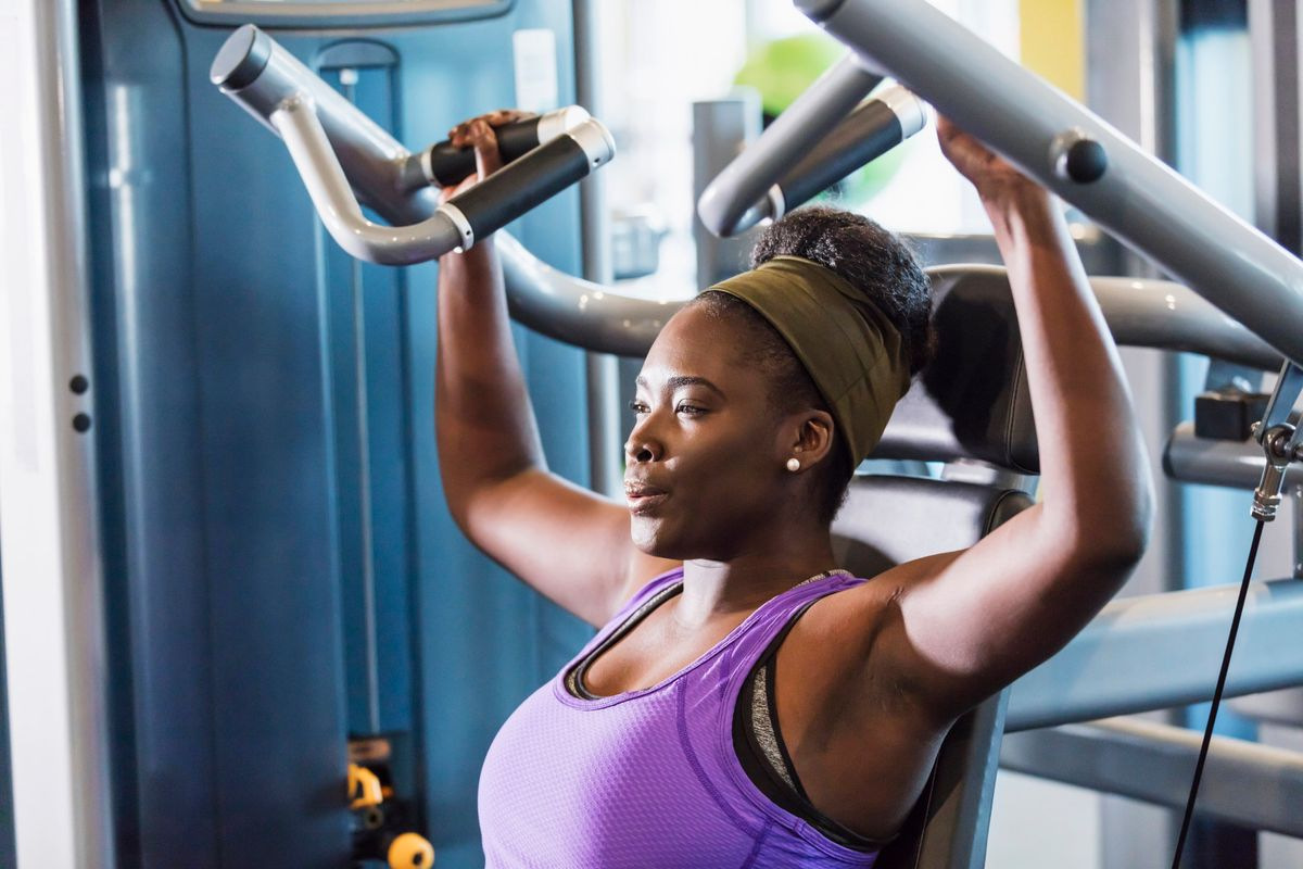 lifting-weights-743988.jpg