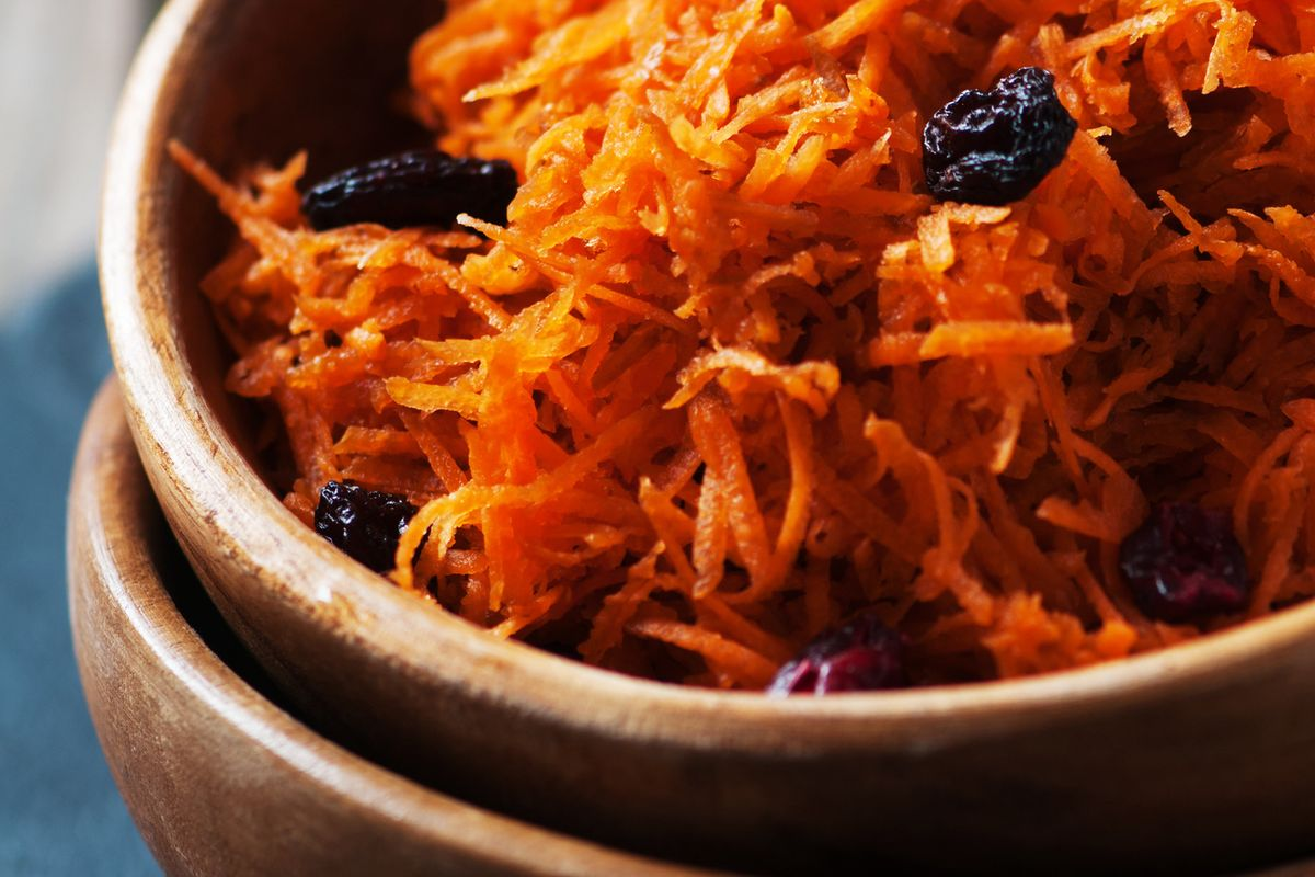 Shredded Carrots With Dried Fruit Salad