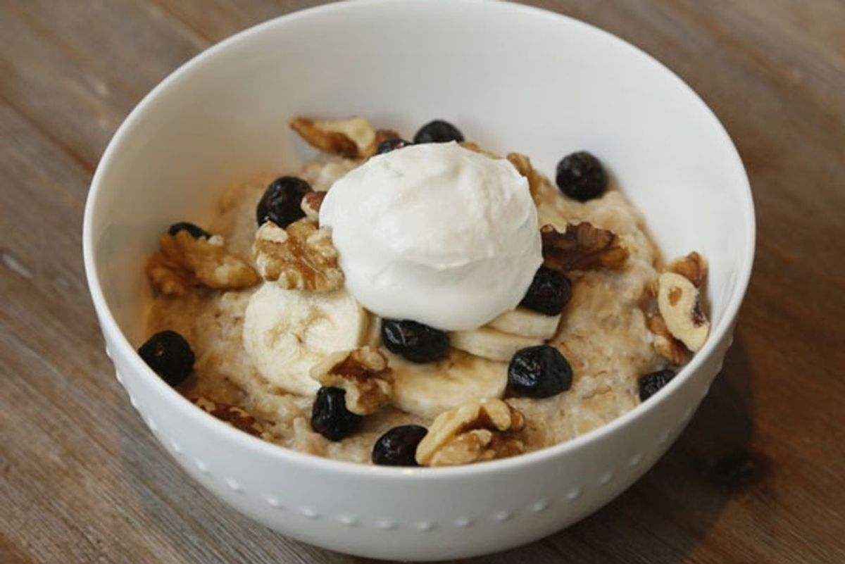 Egg-White Whipped Vanilla Oatmeal