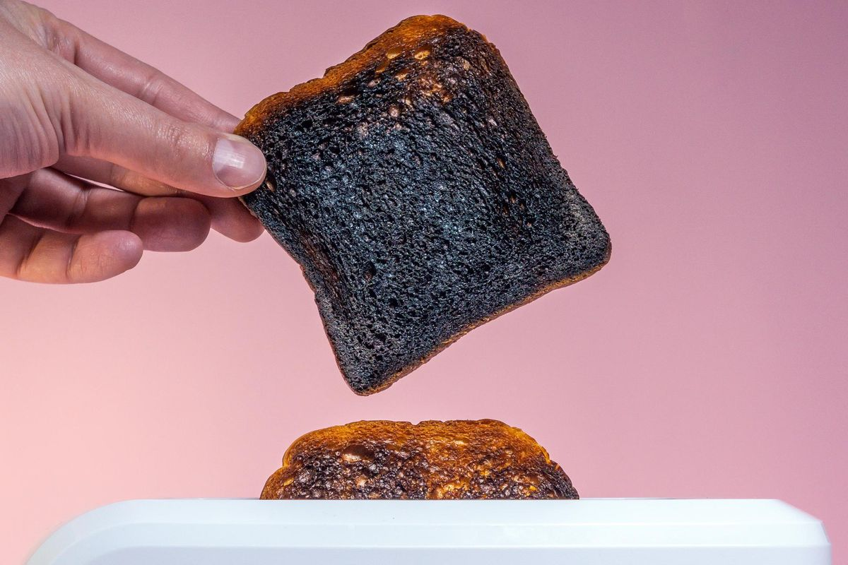 Is Smelling Burnt Toast a Sign That You're Having a Stroke?