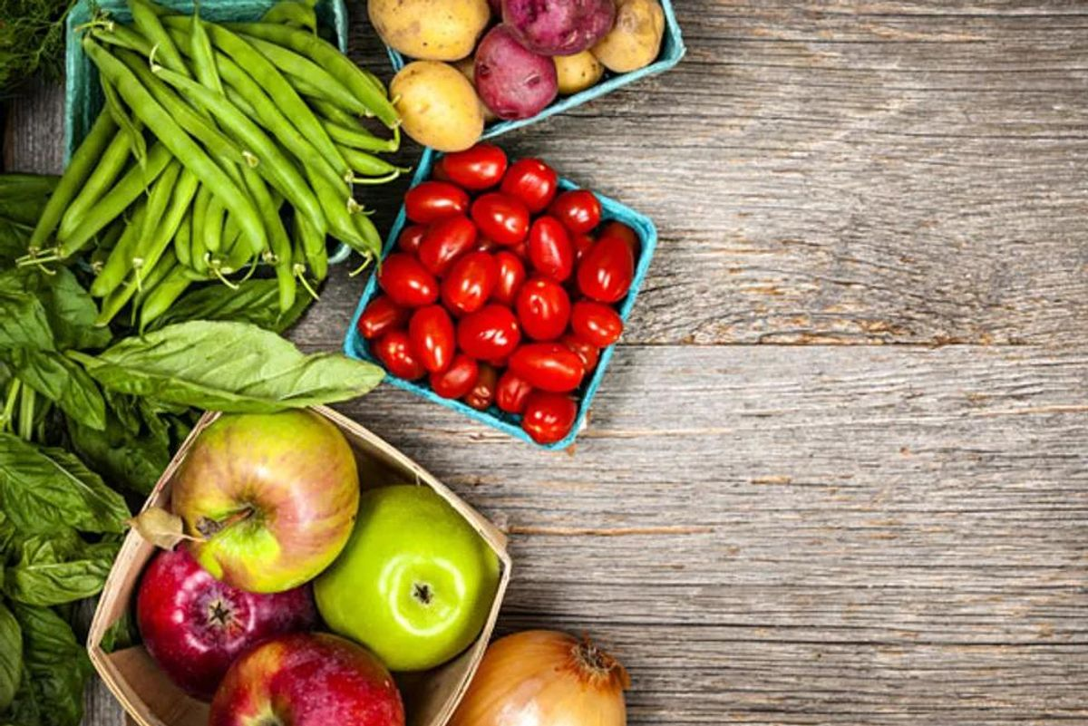 healthy eating: fruits and vegetables