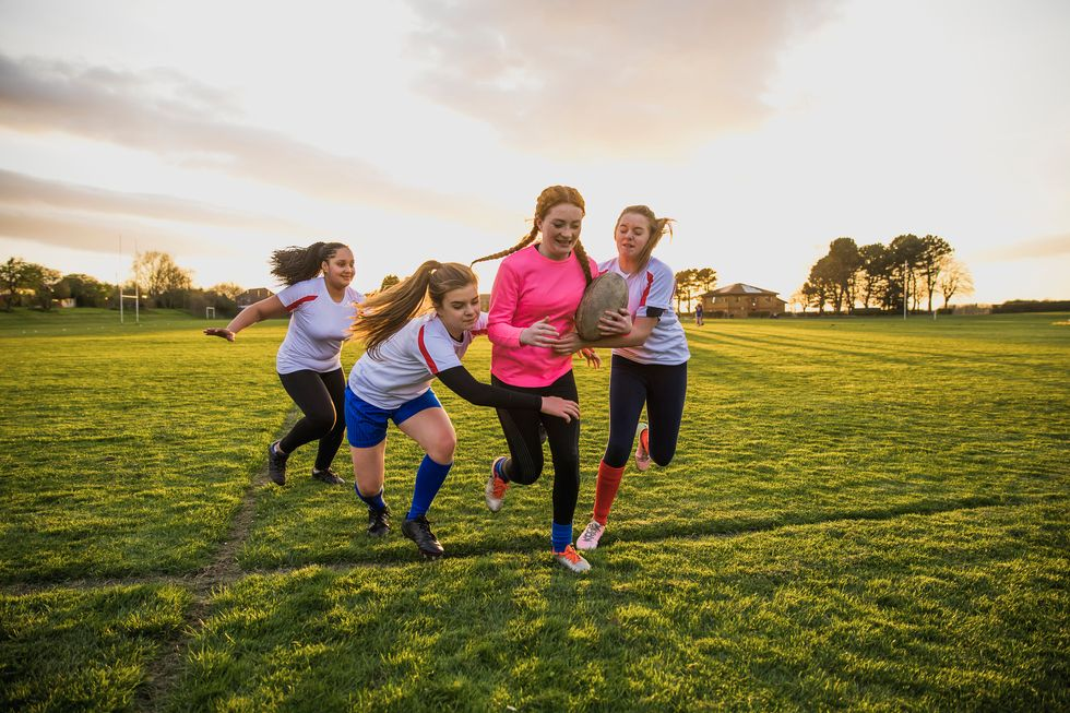 Girls' Sports-Related Concussions May Last Twice as Long