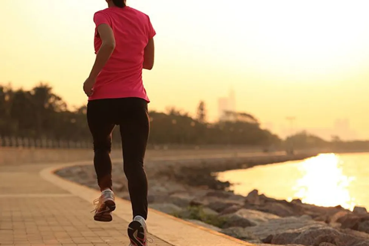 Just Hour of Exercise a Day May Offset Sitting's Toll on Health