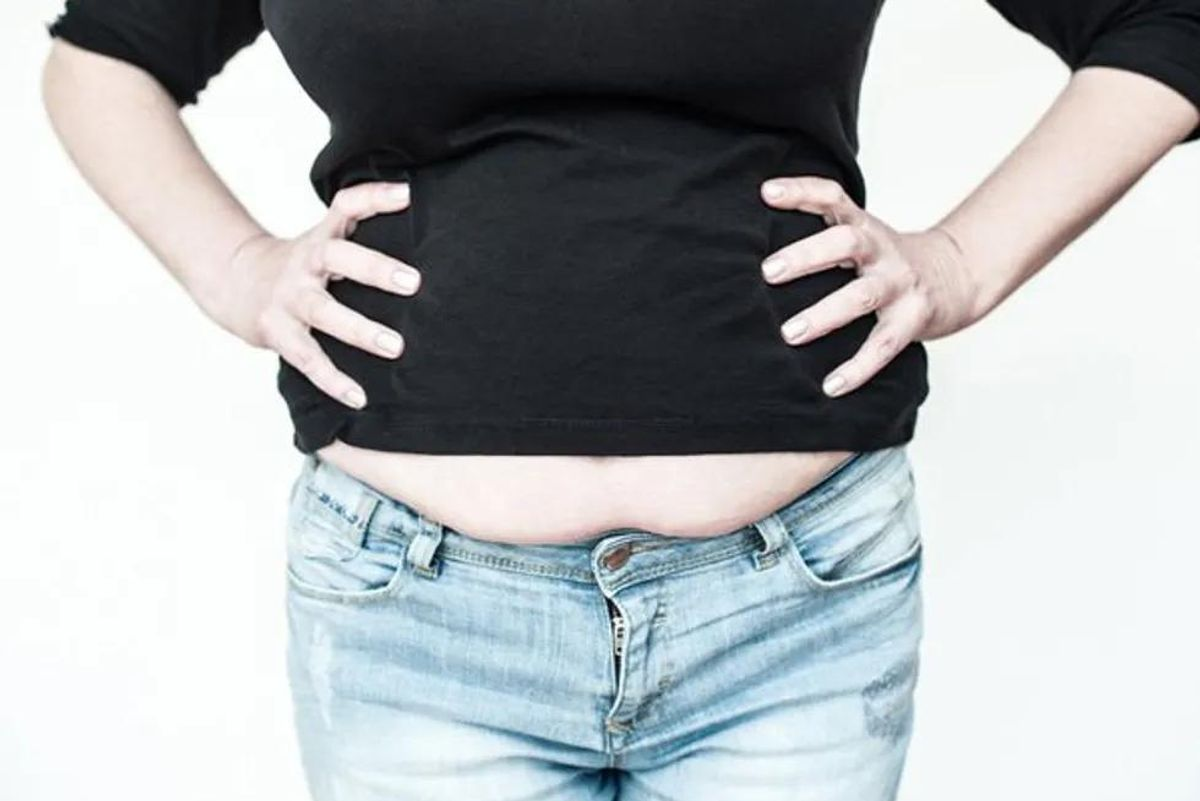 woman with belly fat